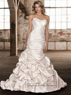 Strapless Ruched Sweetheart Bodice Trumpet Wedding Dresses with Pick-up Skirt