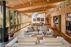 Séjour de la maison en bois californienne