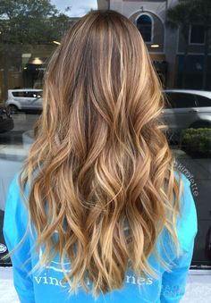 146 incredible balayage highlights to wear right now – page 1 Blonde Hair Looks, Brown Blonde Hair, Light Brown Hair, Brunette Hair, Sunkissed Hair Brunette, Blonde Honey, Caramel Blonde, Medium Blonde, Brunette Color