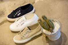 59,95 Superga Sneakers.
