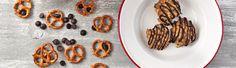 Super+easy+no-bake+cookie+recipes!+Coconut+lemon+drops,+chocolate+cherry+almond+bars,+peanut+butter+chocolate+chip+cookies,+and+white+chocolate+cherry+pistachio+pops.+Yes.+Please.+Cut+the+corner+off+a+Ziploc®+bag+for+that+fancy+drizzle+effect!