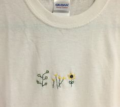 Plant Stiched TShirt by stitchingz on Etsy https://www.etsy.com/listing/247849915/plant-stiched-tshirt Embroidery On Clothes, Diy Embroidery Shirt, Embroidered Clothes, Hand Embroidery, Cross Stitch Embroidery, Diy Tumblr, Diy Shirt, Diy Sweatshirt, Diy Scrapbook