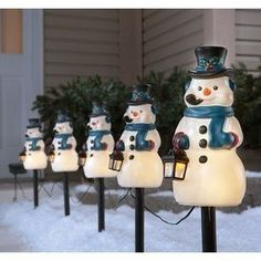 snowman pathway markers with automatic timer