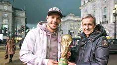 Lukas Podolski und Pierre Littbarski