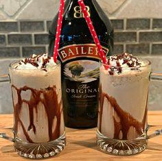 Bailey's Mocha Frappuccino - The Cookin Chicks Drinks Archives - The Cookin Chicks Baileys Drinks, Baileys Recipes, Alcoholic Drinks, Liquor Drinks, Coffee Drinks, Dessert Drinks, Yummy Drinks, Party Drinks, Beach Drinks