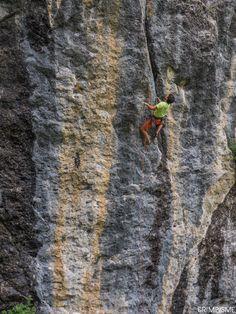 Grimpe au Foron. Si si, s'était grimpable! #grimpisme http://www.escalade.pro/news/grimpe-foron/