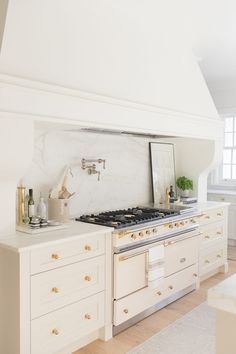 Not A Kitchen Tour. Tour. - Monika Hibbs Kitchen Board, New Kitchen, Kitchen Decor, Kitchen Ideas, Kitchen Styling, Best Interior Design, Interior Design Kitchen, Beautiful Kitchens, Home Decor Inspiration