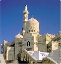 Mesquita de Abu al-Abbas al-Mursi, a maior de Alexandria, Egito