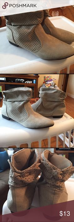 BRAND NEW GRAY SUEDE LOW BOOTS BEAUTIFUL DESIGN GRAY SUEDE LOW BOOTS GREAT WITH BLUE JEANS ,BLACK SLACKS OR A SKIRT NEW WIRH NO TAGS PLEASE SEE PIC #4 american eagle Shoes Ankle Boots & Booties