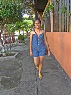 Si tu eres de esas chicas calurientas ( calurosas ) esta es la mejor opcion, un romper color mezclilla  stylesbeautifulsoul.wordpress.com