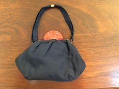 Vintage Finds you art deco bag Vintage Bags, Vintage Handbags, Embroidered Bag, Drawstring Backpack, Bucket Bag, Finding Yourself, Art Deco, Backpacks, Gifts