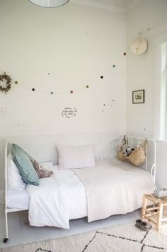Genial Chambre Fille Blanche + Beige