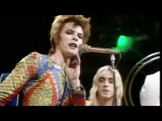 "David (Ziggy Stardust) Bowie - Starman (1972) ""He'd like to come and meet us, but he thinks he'd blow our minds"""