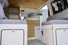 Bullifaktur Wohnmobil Camper Campervan Individualausbau VW T5 T6 Transporter Multivan Caravelle T5 Camper, Vw T5, Camper Van Conversion Diy, Campervan Interior, Van Life, Home Appliances, Ideas, Station Wagon, Interiors