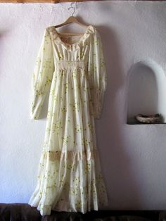 Very similar to my Gunne Sax dress from 8th grade