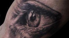 Niki Norberg é considerado um dos melhores tatuadores do mundo. A fila de espera para ganhar um rabisquinho dele na sua pele é de 4 anos. Confira!