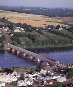 Hartland Bridge, New Brunswick, Canada, world's longest covered bridge on the Saint John River