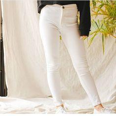 DIY high waisted pants, high waist jeans outfits jeans high waisted, high waisted outfits high waist outfit jeans, high waisted mom jeans high waisted jeans outfit casual, high waisted skinny jeans outfit High Wasted Jeans, High Waisted Mom Jeans, Jean Outfits, Casual Outfits, Outfit Jeans, White Jeans, Skinny Jeans, Pants, Diy