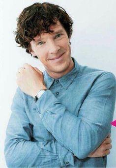 BenedictCumberbatch such a cute smile
