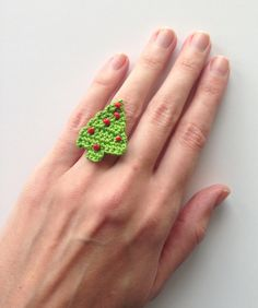 Christmas tree crochet ring