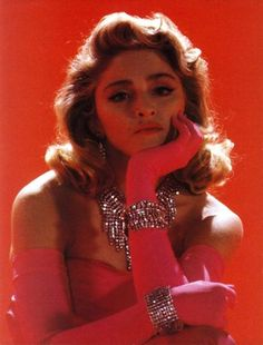 Madonna in Material Girl music video, 1984 Madonna Material Girl, Material Girls, Divas, Madonna Fashion, Madonna Mode, Lady Madonna, Style Retro, 90s Style, Girl Gifs