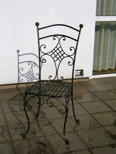 Wrought iron chair . Iron Patio Furniture, Western Furniture, Steel Furniture, Wrought Iron Chairs, Metal Chairs, Iron Bench, Iron Art, Chair Design, Decoration