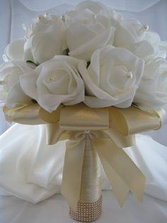 Ideas for diy wedding bouquet fabric brides Whimsical Wedding Flowers, Fake Wedding Flowers, White Wedding Bouquets, Bride Bouquets, Bridal Flowers, Bling Bouquet, Felt Flower Bouquet, Flower Bouquet Wedding, Corsage Wedding