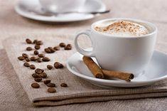 Как приготовить капучино дома? Coffee Break, Coffee Time, Coffee Cups, Cocktails, Drinks, Creme Brulee, Food Photography, Deserts, Tea