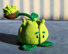 "Crochet Pattern of Cabbage-pult from ""Plants vs Zombies"" (Amigurumi tutorial PDF file)"