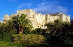 The Patras Castle (in Patras, Greece) was built around the mid-6th century above the ruins of the ancient acropolis, on a low outlying hill of the Panachaiko Mountain and ca. 800 m from the sea. The castle covers 22,725 m² and consists of a triangular outer wall, strengthened by towers and gates and [.......] http://en.wikipedia.org/wiki/Patras_Castle