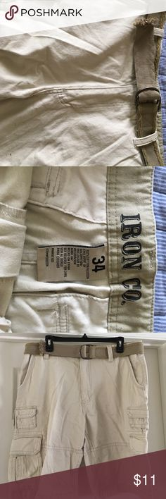 Men's size 34 cargo shorts Cargo shorts in fantastic condition. Barely worn. Comes with matching belt. Iron  Shorts Cargo