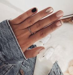 63 Best Gorgeous Stunning Green Matte Nails Design For Prom And Wedding - Page 18 of 63 - Diaror Diary Stylish Nails, Trendy Nails, Cute Nails, Casual Nails, Classy Nails, Nagellack Design, Nagellack Trends, Pink Nails, Gel Nails
