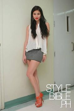 Anne Curtis in bandage skirt and Chiffon blouse ideas street styles philippines Anne Curtis Outfit, Anne Curtis Smith, Filipina Beauty, Celebrity Style Inspiration, Bandage Skirt, Fashion Beauty, Womens Fashion, Celebrity Outfits, Short Dresses