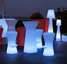 Taburete con luz CORFU LIGHT para uso exterior o interior, fabricado con polietileno de baja densidad y alta calidad.  74cm x 40cm  http://www.ibergada.com/Mueble-Auxiliar/Exterior-Luz-LED?product_id=3501