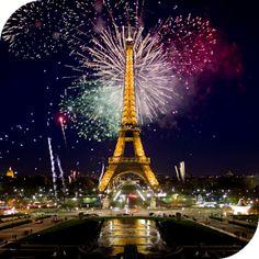 Fireworks In Paris Wallpaper