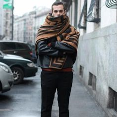 louis vuitton karakoram blanket scarf - the most beautiful thing I have seen in mens fashion this season!