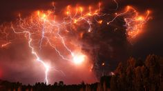 Wow... lighting around the eruption of a Volcano in Chile.  This just looks amazing!