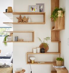 Best 8 Attractive Shelves Designs Ideas For Easy Organizing Interesting Shelving Design Ideas that you should apply to your house, which is often messy because you don't have the right storage, right? Wooden Shelves, Floating Shelves, Interior Design Living Room, Living Room Decor, Regal Design, Wall Ornaments, Pinterest Home, Wall Shelves Design, Bedroom Storage