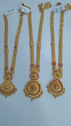 Black And Gold Jewelry Gold Mangalsutra Designs, Gold Earrings Designs, Gold Jewellery Design, Gold Jewelry Simple, Gold Wedding Jewelry, Gold Jhumka Earrings, Gold Necklace, Gold Haram, Fashion Jewelry