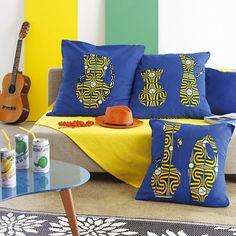 Des coussins ornés de motifs en wax