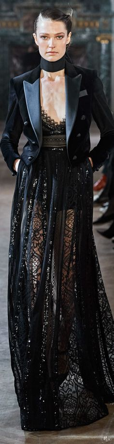 The Latest in High Fashion Fresh Off The Runway. Best in Women's Fashion and Accessories. Diva Fashion, Couture Fashion, Runway Fashion, Womens Fashion, Fashion Design, Fashion Brands, Elie Saab Designer, All Black Party, Elie Saab Fall