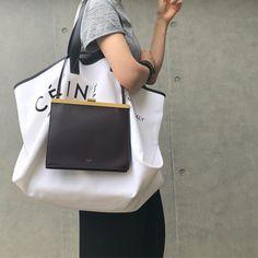 Celine by Poebe Philo Celine Handbags, Luxury Handbags, Louis Vuitton Handbags, Chanel Handbags, Designer Handbags, Look Fashion, Fashion Bags, Fashion Handbags, Runway Fashion