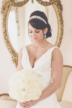 Bridal poses, wedding photography, Southern weddings
