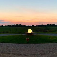 A ✨bewitching✨ sunrise and sunset from @killuacastle01 🔮loving how the Aqualens sphere mimics the colors of the sky! 📷: @killuacastle01 #spherefountain #gardendesign #gardenart #landscapedesign #waterfountain #waterfeature #luxurydesign #luxuryliving #gardendesignmag #orbfountain #gardensculpture #outdoorlivingspace #luxe #homesandgardens #houseandgarden #betterhomesandgardens #outdoorfountain #indoorfountain #gardenfountain #gardenwaterfeature #aqualens #allisonarmour #allisonarmourart Landscape Design, Garden Design, Indoor Fountain, Water Features In The Garden, Better Homes And Gardens, Luxury Living, Garden Sculpture, Sunrise, Aqua