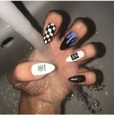 42 Sophisticated Grunge Nails Ideas Can Make You Looks More Elegant Edgy Nails, Grunge Nails, Funky Nails, Stylish Nails, Swag Nails, Crazy Nails, Halloween Acrylic Nails, Summer Acrylic Nails, Best Acrylic Nails