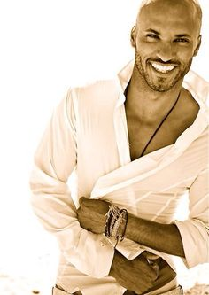 Ricky Whittle and his beautiful smile Ricky Whittle, Black Is Beautiful, Gorgeous Men, Beautiful People, Beautiful Smile, Bald Men, Hommes Sexy, Hot Actors, Raining Men