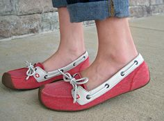 Keen boat shoes Keen Shoes, Me Too Shoes, Walk On, Other Accessories, Scarfs, Boat Shoes, Jewelery, My Style, Sneakers