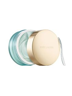Este Lauder Clear Difference Purifying Exfoliating Mask: The combination of white clay and microfine buffers makes pores look like they were sucked clean by a Dysonwithout any hint of dryness.