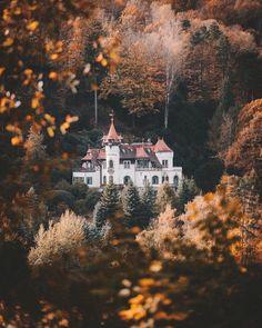 via / Autumn, Autumnal, Autumn Magic, Autumn Aesthetic, Cozy / Beautiful World, Beautiful Places, Beautiful Pictures, Beautiful Castles, Image Tumblr, Autumn Aesthetic, Just Dream, Best Seasons, Autumn Inspiration