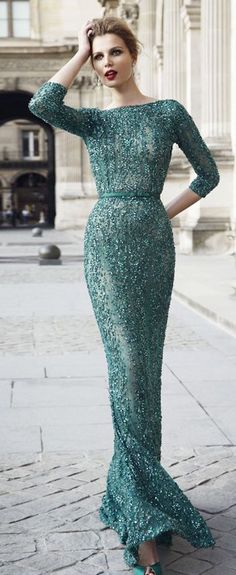 This sequin dress is a great modern representation of the 1952 style Norell dress. Evening Dresses, Prom Dresses, Formal Dresses, Beautiful Gowns, Beautiful Outfits, Elegant Dresses, Pretty Dresses, Celebridades Fashion, Beauty And Fashion